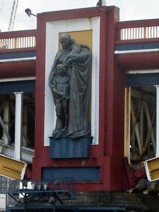 Vauxhall Statue (2)