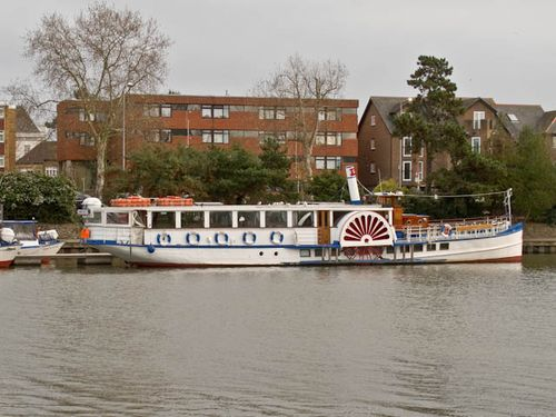 Paddle steamer