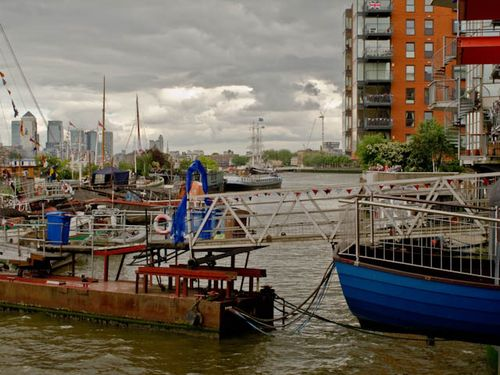 Distant Canary wharf