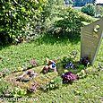 Sam's grave