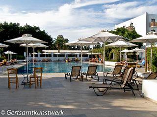 Quiet pool (3)