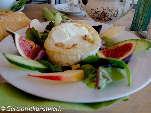 Goats cheese walnut apple figs