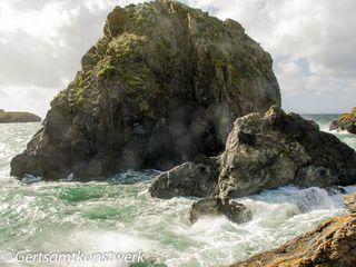 Harbour rock
