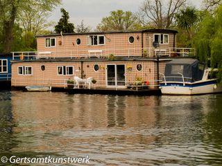 Trellised houseboat