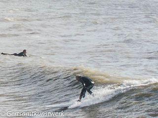 Surfer (2)