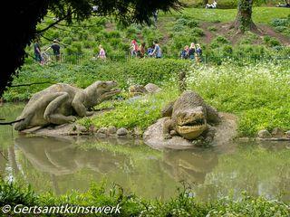 Dinosaur promenade
