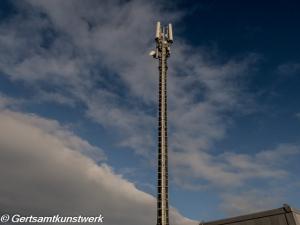 Broadcast mast