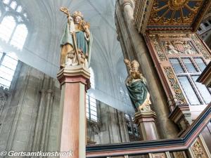 Pulpit sculptures