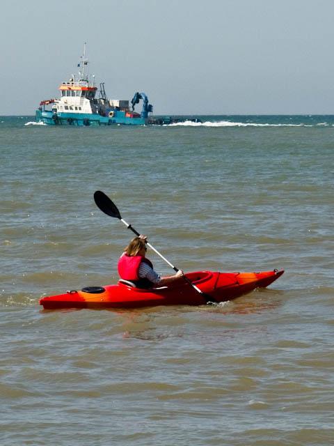 Ship & kayak