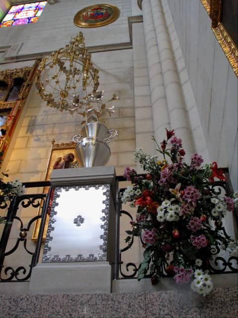 Fabulous Altar Decoration 480 x 640 · 58 kB · jpeg