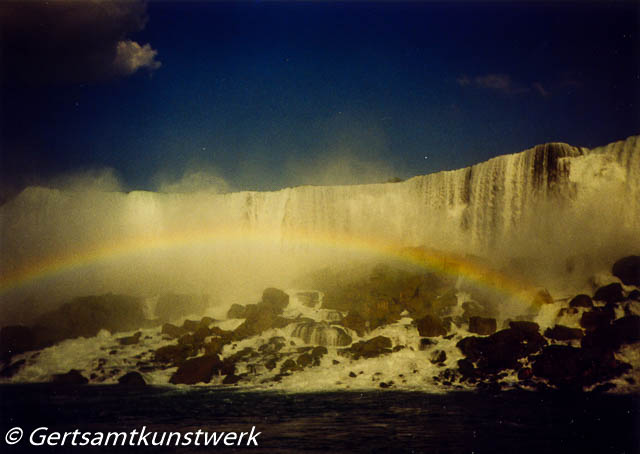 Falls behind the Rainbow