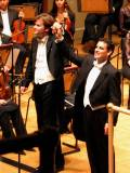 Juan_diego_florez_with_conductor_ch